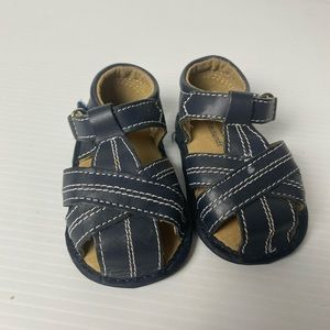 Hundreds And thousands navy leather sandles size 2